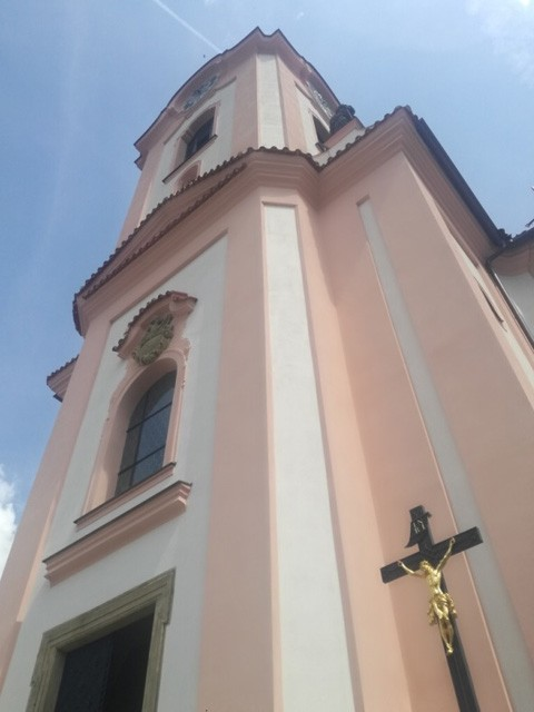 Datování mimo kostel